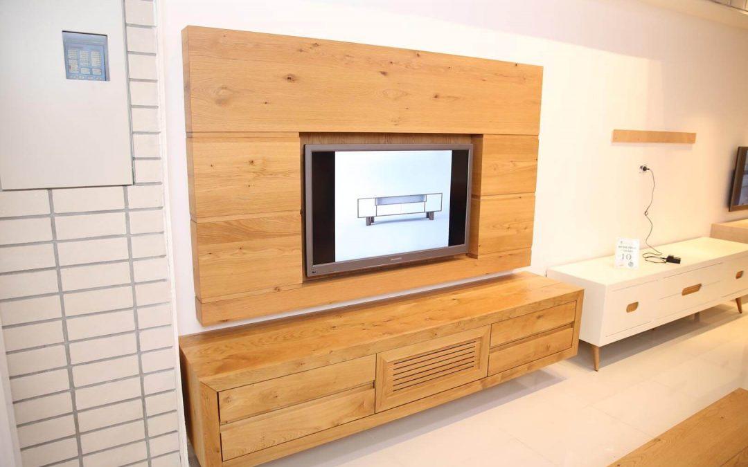 מסגרת לטלויזיה מעץ דגם 'אלון'