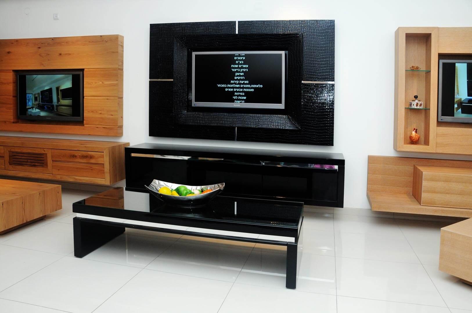 שולחן סלון מעץ שחור קרוק