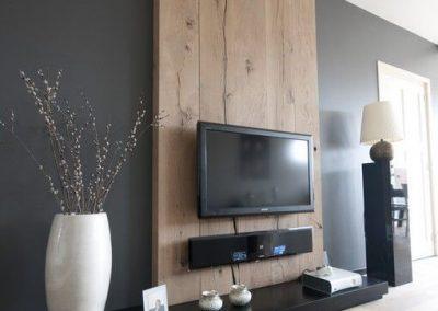 מסגרת לטלויזיה מעץ דגם 'סהרה'