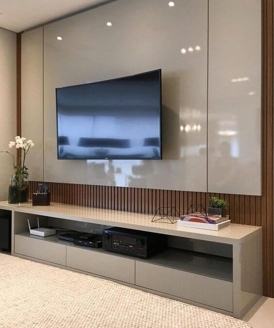 מסגרת לטלויזיה מעץ דגם 'אודיום'