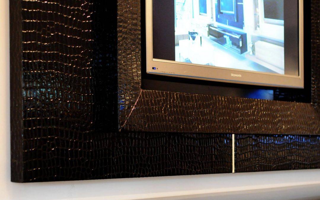 מסגרת לטלויזיה מעץ דגם 'קרוק'