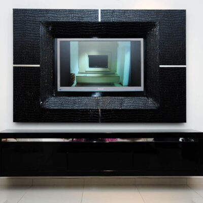 מזנון תלוי שחור לסלון ומסגרת לטלויזיה דגם קרוק