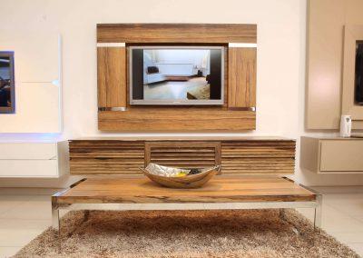 מסגרת לטלויזיה מעץ אגוז