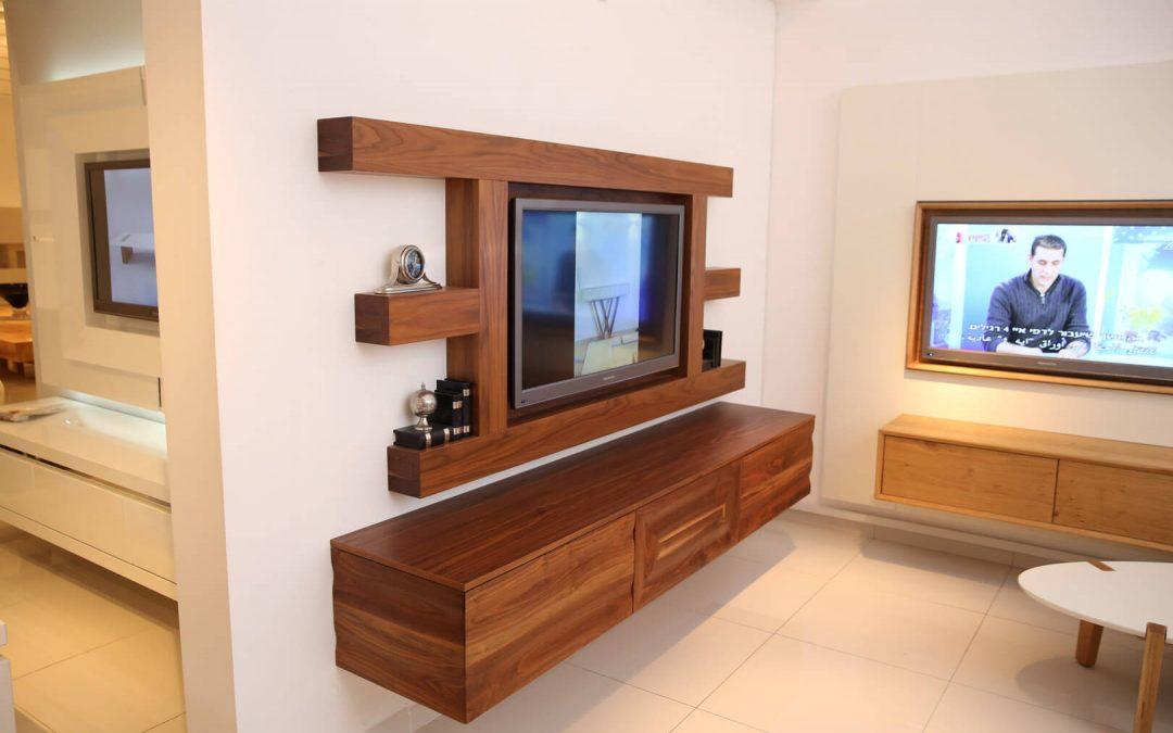 מזנון תלוי כולל מסגרת לטלויזיה מעץ דגם 'גבריאל'