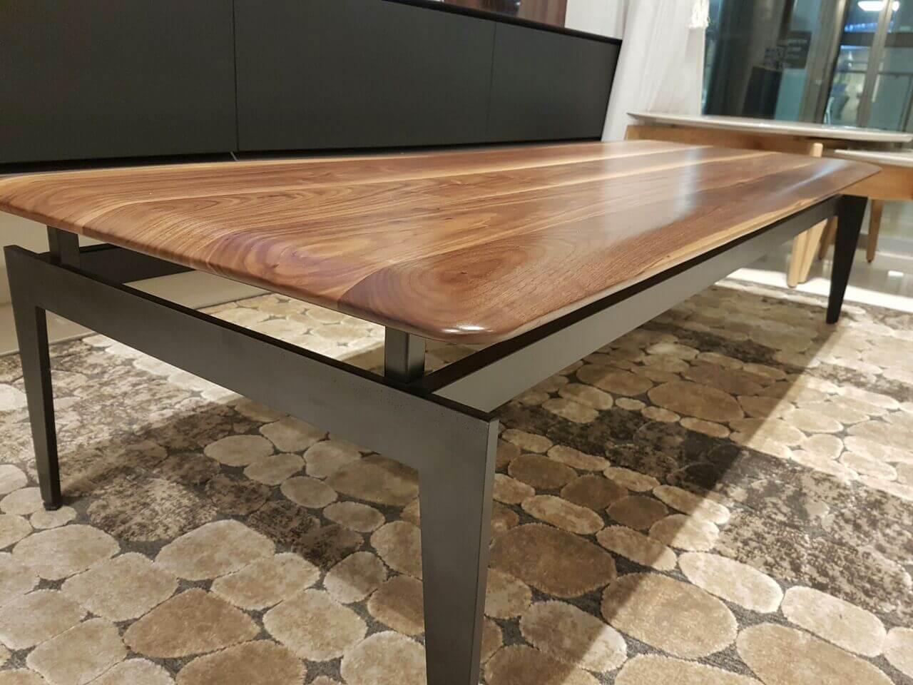 שולחן לסלון מעץ דגם לילך