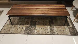 שולחן לסלון מעץ רגליים מתכת דגם לילך