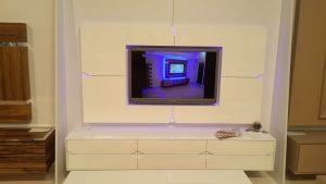 מזנון תלוי לבן ומסגרת לטלויזיה דגם מעויינים