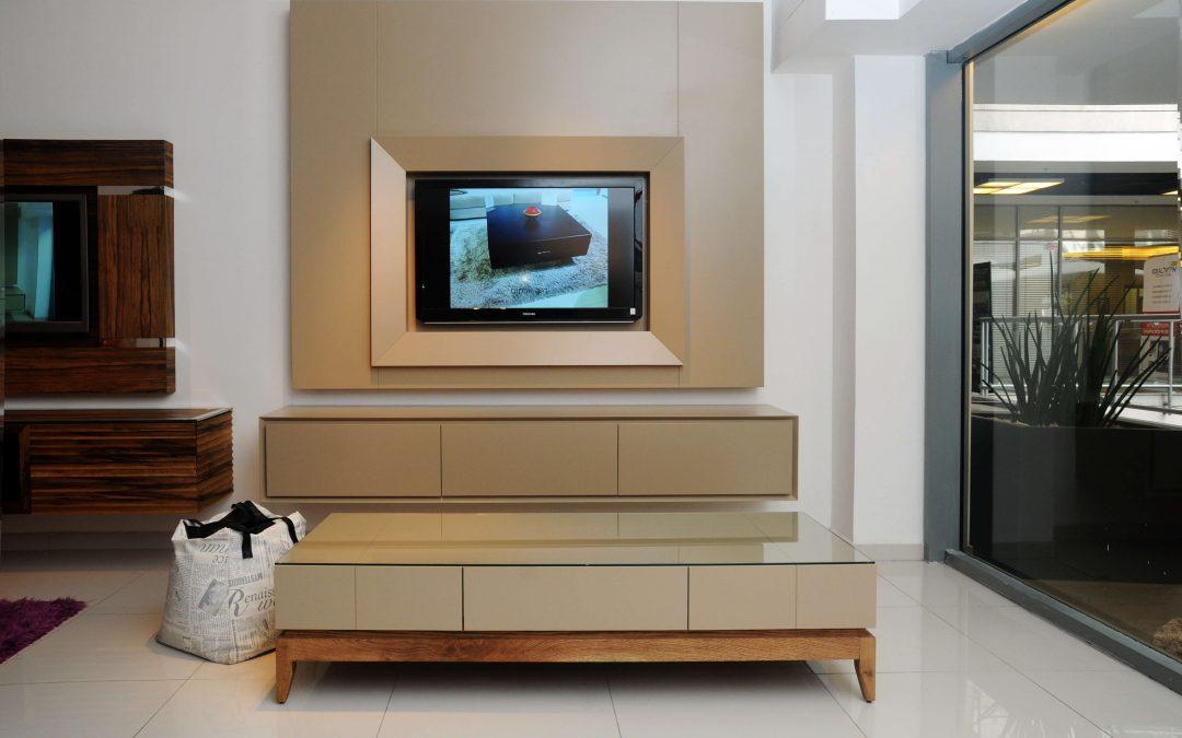 מסגרת לטלויזיה מעץ דגם 'נוגה'