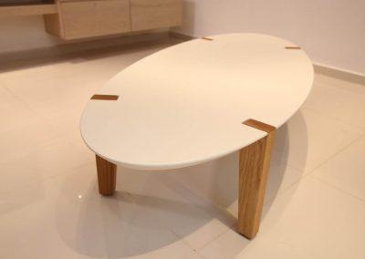 שולחן סלון לבן אובלי