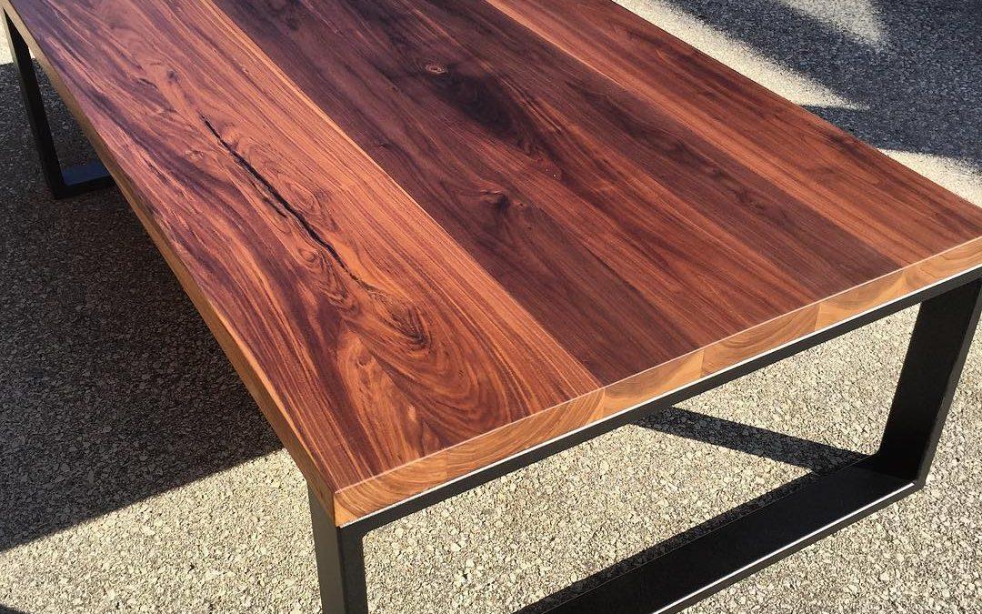 שולחן סלון מרובע מעץ מטאל