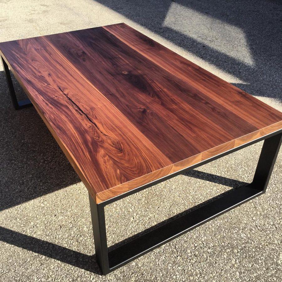 שולחן סלון מרובע מעץ דגם 'מטאל'