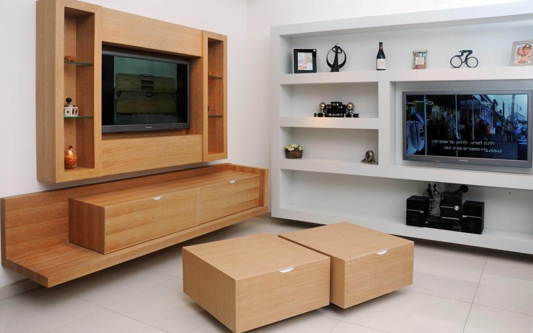 מזנון תלוי ומסגרת לטלויזיה מעץ דגם 'שביט'