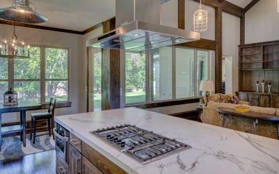 המלצות לעיצוב המטבח עם רהיטי עץ
