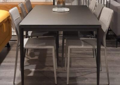 """שולחן פינת אוכל במבצע דגם """"אפיניטי"""""""
