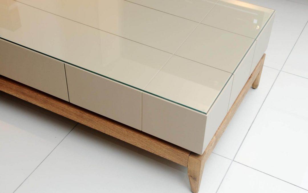 שולחן סלון מעץ דגם 'נוגה'